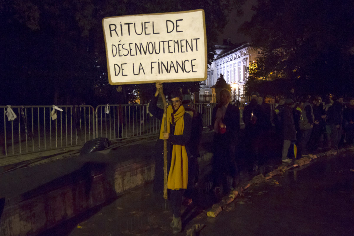 Ritual of unbewitch finance. Nuit Blanche Bruxelles © Beata Szparagowska
