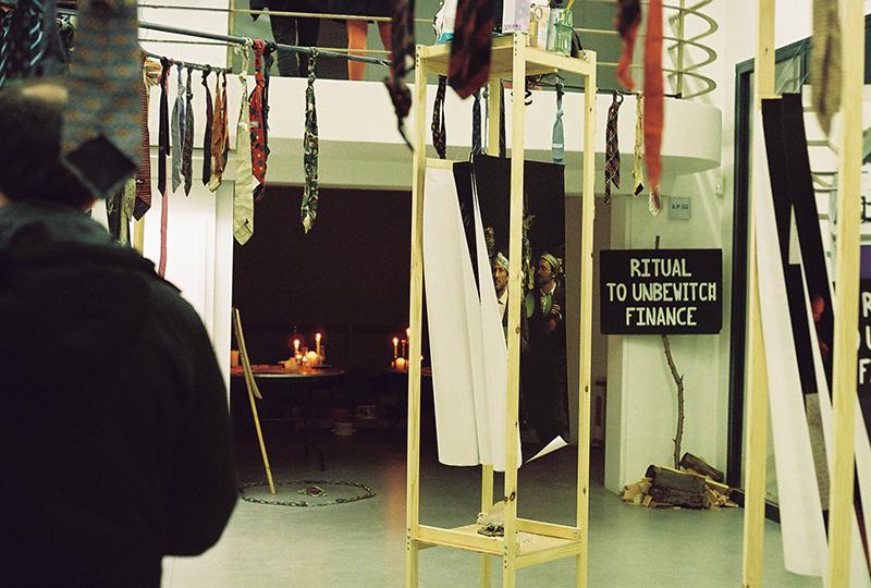 """Exposition """"Cabinet de curiosités économiques"""" à l'erg galerie. Février 2019. © Anna Muchin"""