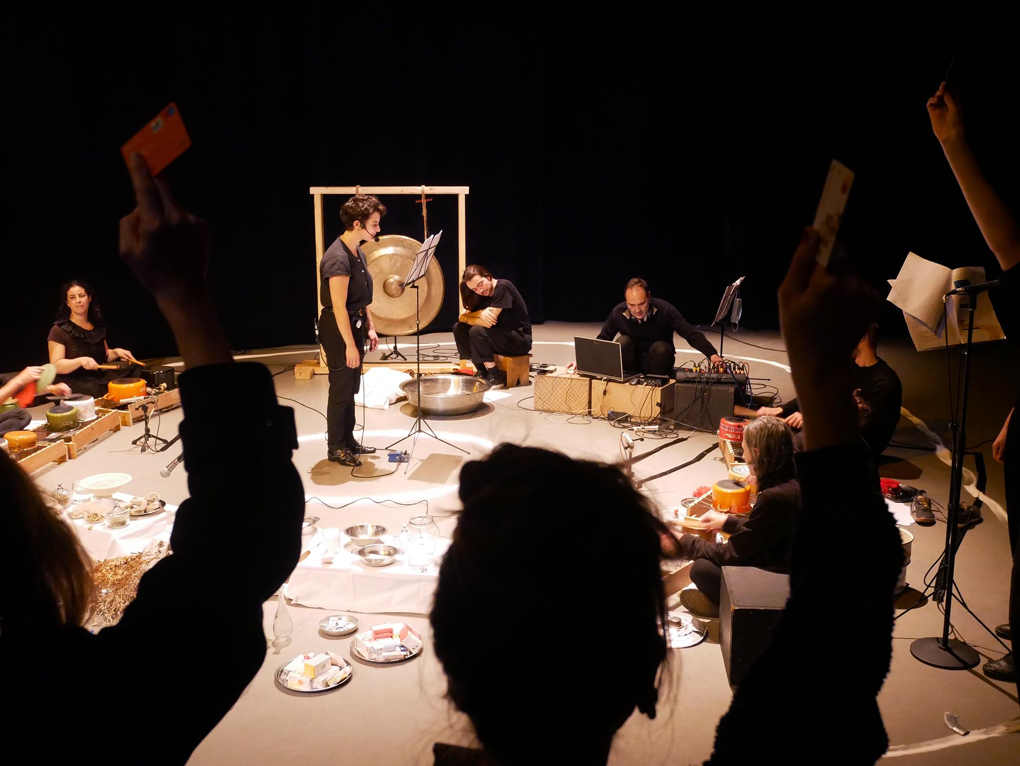 Rituel Radio-actif. Centre Pôle Nord (BXL Solidarité Internationale et CNCD – 11.11.11 Bruxelles)– Bruxelles